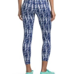 Vineyard Vines MD Performance Capri Leggings